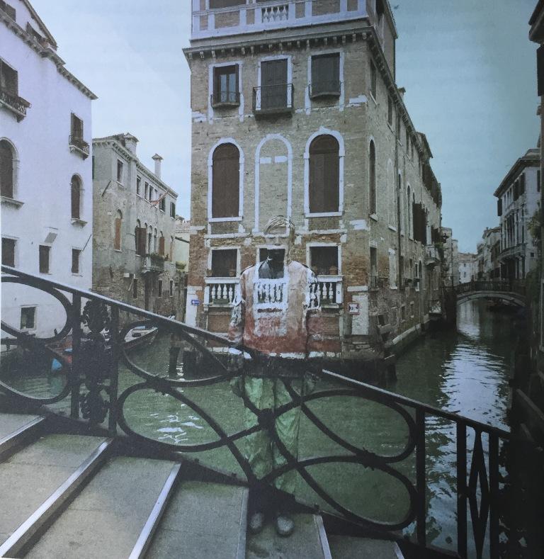 Hiding in Italy, Ponte di Rialto, 2010, ph. Liu Bolin